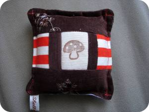 sweet-little-pin-cushion-brownorange