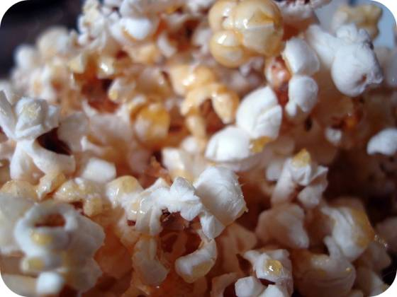 easiest-caramel-popcorn-ever-vegan-or-otherwise